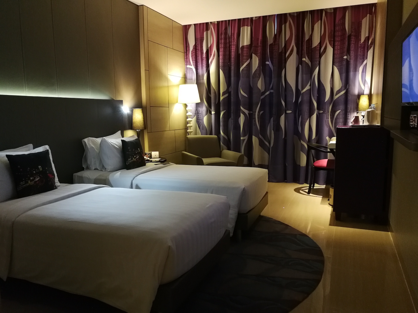 Mercure Jakarta Sabang Deluxe Room with Twin Beds